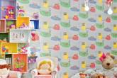 Jogo de cores: um quarto em rosa, verde, amarelo e azul
