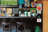 Sala foi transformada em bar particular