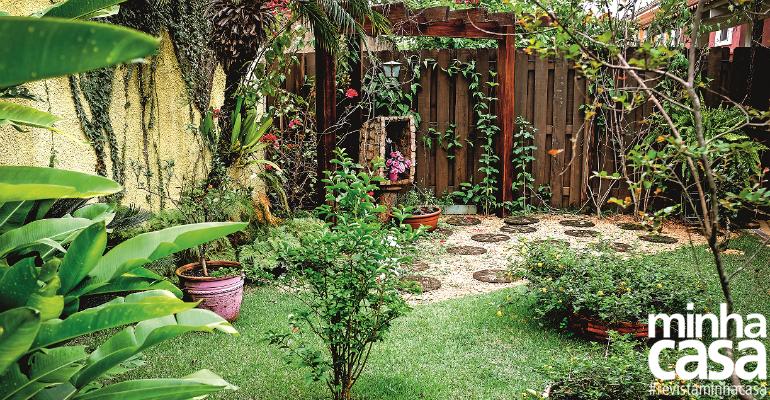 Um quintal para desfrutar das flores e cultivar a fé
