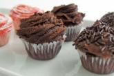 Receita de muffins com ovos de chocolate.